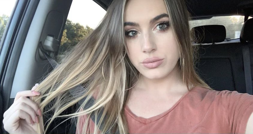 #selfieSunday with Emmy🤳   #selfie #makeup #blueeyes #blonde #nudelips #beauty #carselfie #VenomHunnies #MarksmenHunnies #HunniesCheerleaders #prodance #makeupslay #arenagirls #eyes #beautiful #icegirls #procheer #footballcheerleaders #hockeycheerleaders #smize #selflove