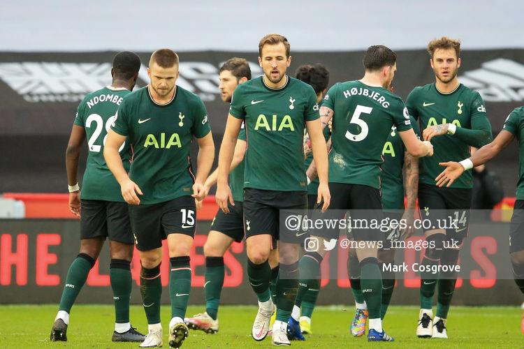 Harry Kane #10 of Tottenham Hotspur walks back to his own half after scoring to make it 0-2 #SUFC @SheffieldUnited @SpursOfficial #THFC #COYS @premierleague #PremierLeague @Mark_Cozy