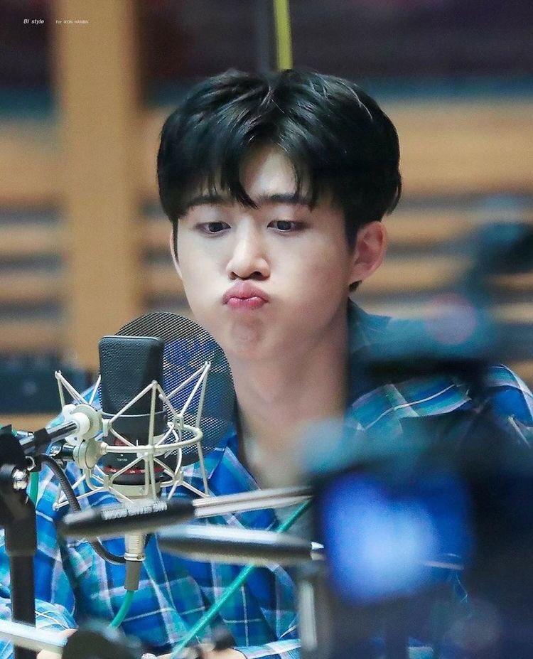 @junbin_ @ikon_shxxbi I found it cute every time he do this   SOAR HIGH OUR B.I @ikon_shxxbi #BI #WondrousBI #비아이 #HANBIN
