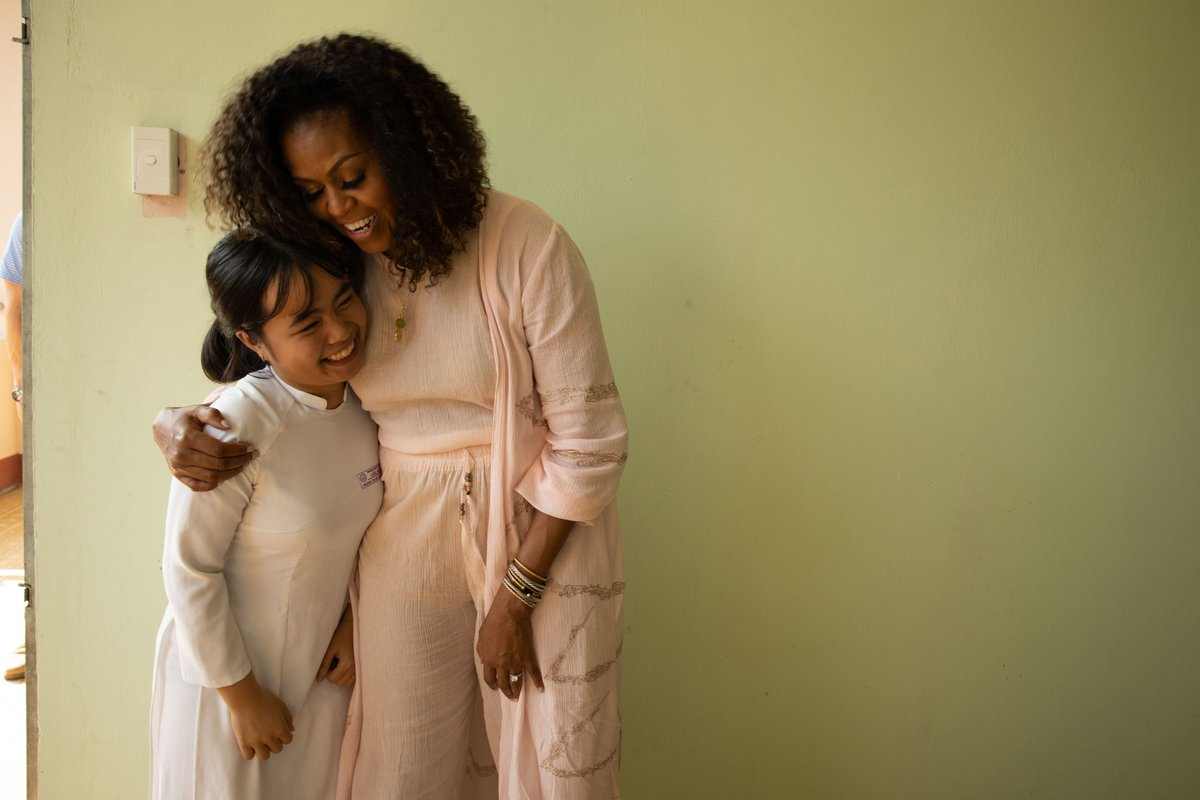 Happy birthday, @MichelleObama! So grateful for your leadership for girls around the world and for our work together to empower young women to pursue their education and their dreams. 💖