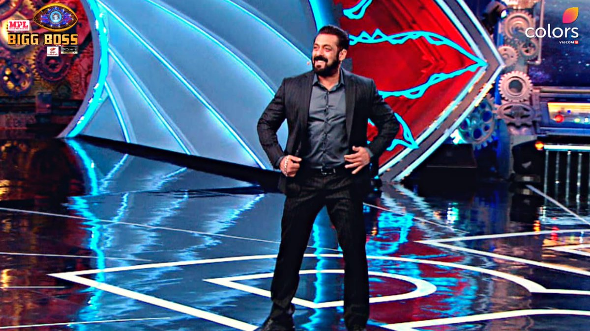 RT if you are loving @BeingSalmanKhan's moves! #BB14 #BiggBoss2020 #BiggBoss14 @BeingSalmanKhan #WeekendKaVaar