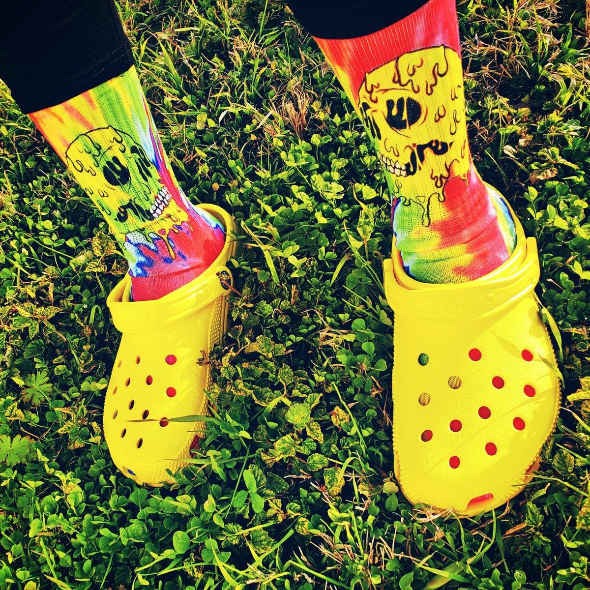 G O O D M O R N I N G.💛🐊   #sundayvibes #socks #crocs
