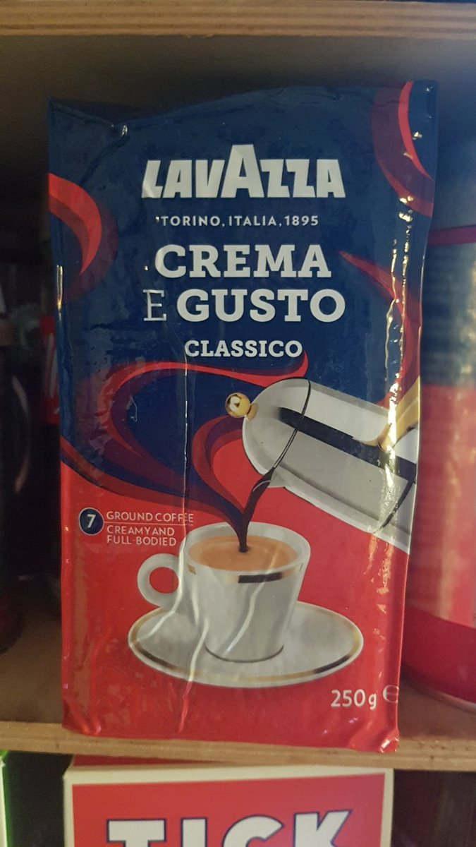 @sxxdat Instant? Honestly that doesn't even count as coffee. You're lucky I'm not disowning you right now.  #lavazza #cremaegustoclassico
