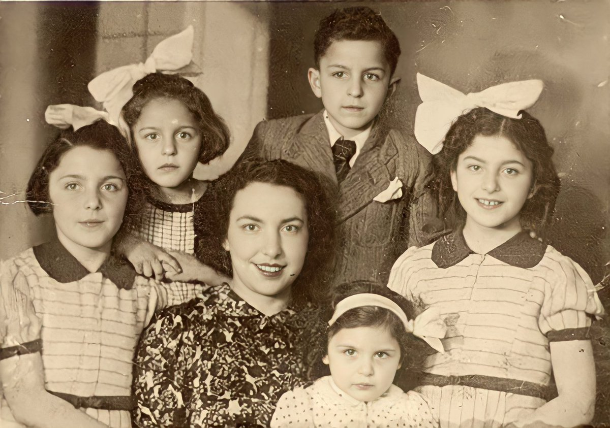 Salomea was married to Zelik. They had five children: Fanny, Rosette, Abraham, Jeannine and Lila. Zelik left for Venezuela. He did not contact Salomea again. Salomea worked as a seamstress to support her children, but struggled financially.