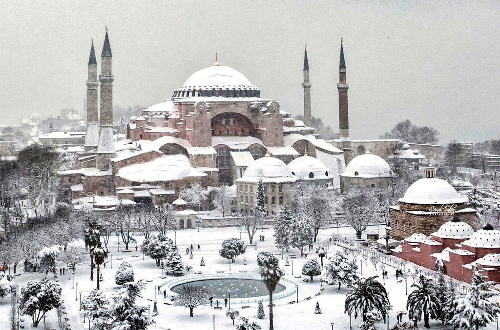 İstanbul güzelse sebebi sensin.