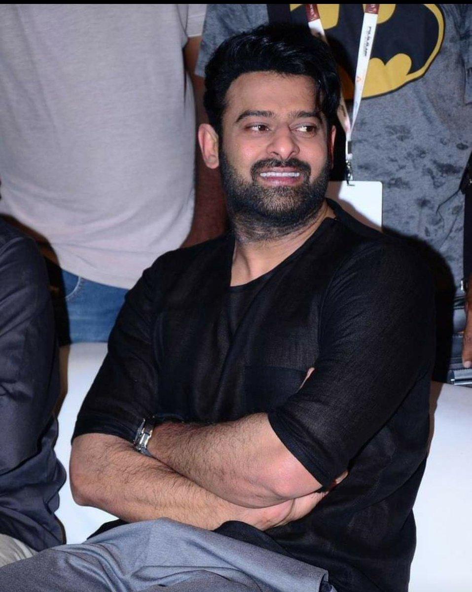 With #Bahubali series a new Pan India star rised #Prabhas the 6.3 feet cut out🔥 Now all his upcoming movies ll b a Pan India release #Salaar #SalaarSagaBegins #SalaarLaunch #AlluArjun #RRRMovie #Tollywood #MasterFDFS #MaheshBabu #RamCharan #WhatsApp #RedTheMovie #Krack #BiggBoss