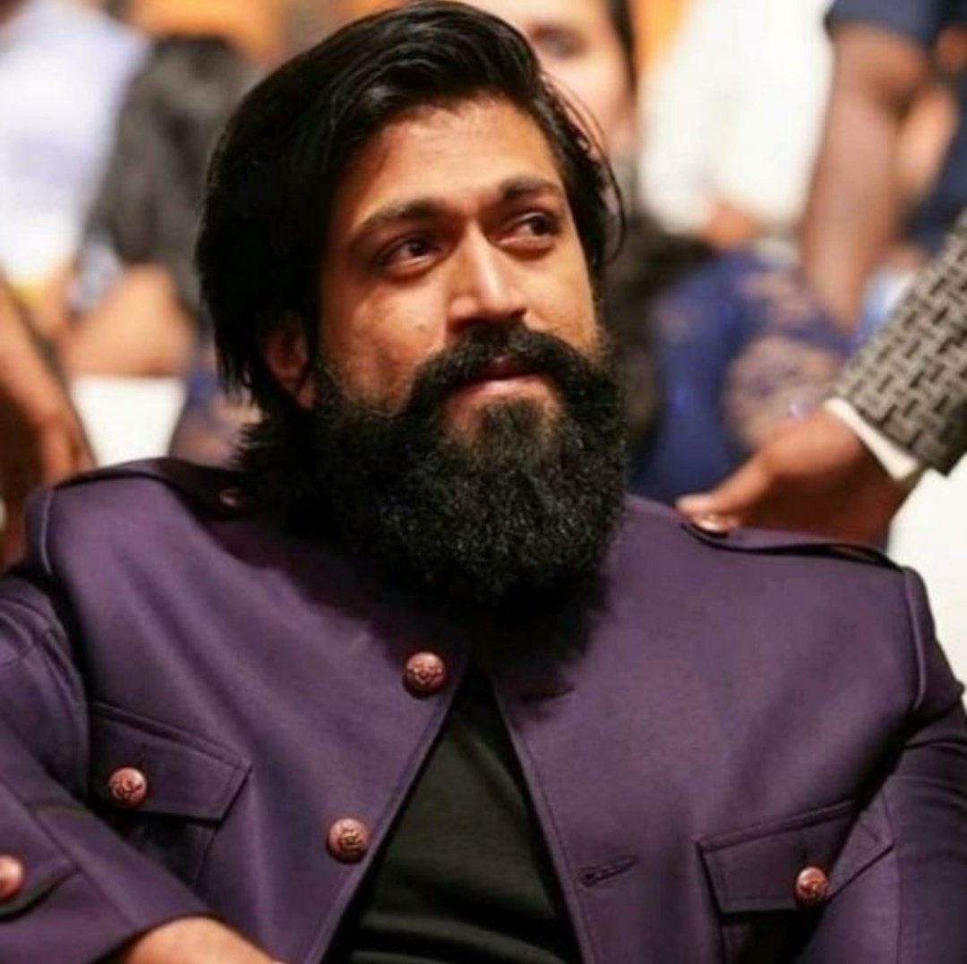 Next as all u know The #KGF star ⭐ #Yash The latest Pan India star has created his own territory in Indian cinema @TheNameIsYash famously known as Rocky Bhai 🔥 Saalam #RockyBhai #KGFChapter2 #KGF2 #KGF2Teaser #kgf2teaser100mviews #kgftimes #KGFChapter1 #SalaarLaunch #KgfKannada