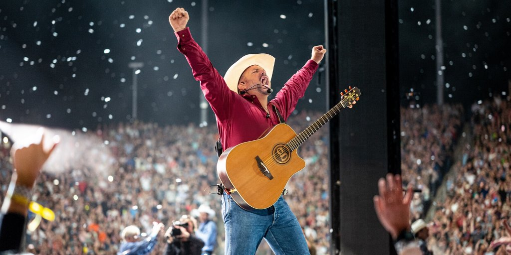 Congratulations are in order for #superstar @garthbrooks!  What's your #1 Garth song? Comment and let us know!  Details: