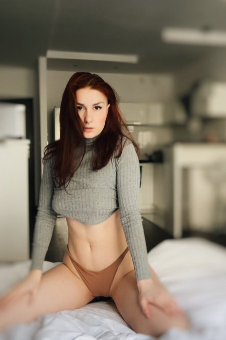 1 pic. today was a hot day😈  https://t.co/gWllwZMu2l  #onlyfans #girl #nude #nudes #redhead #wife #amateur