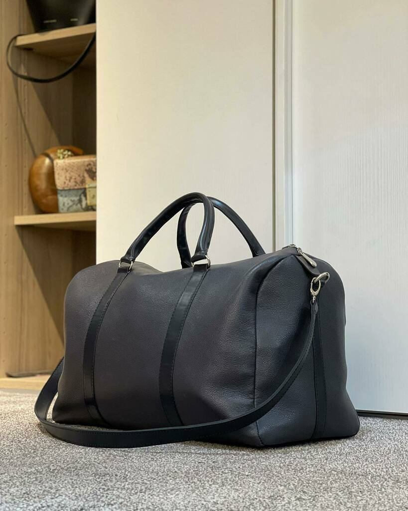 The Dabo Duffle Bag 50x30x20 cm 🏷 : 150.000 frs #AllureByAly #DuffleBag #Handmade #MadeInSenegal #Kebetu instagr.am/p/CKJveJmHmCL/