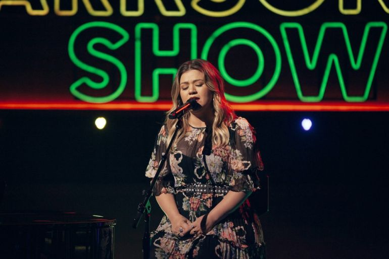 Bravo @KellyClarksonTV @dudalicioustoo Here are this week's inspiring #kellyoke performances by @kellyclarkson  -