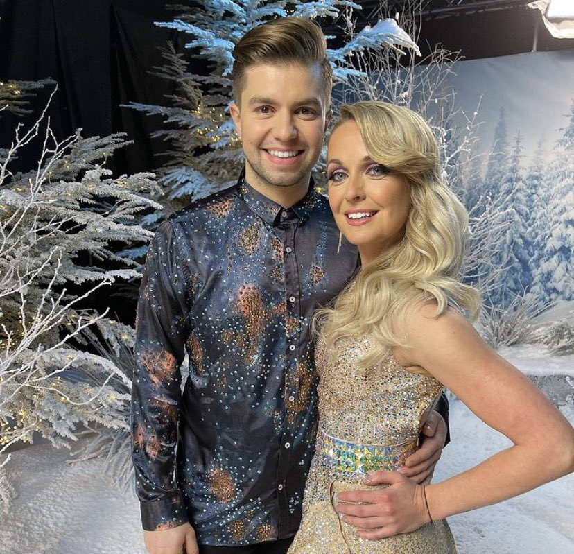 So excited as my best mate @SonnyJay starts his Dancing On Ice journey tonight! Get following him and make sure you're on #TeamSonny ⛸⛸❄️ TONIGHT 6PM ITV