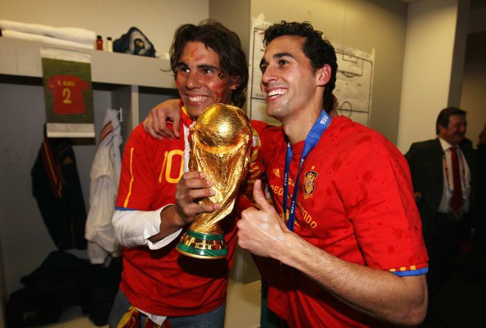 توج بكأس العالم🏆🥇 مع أسبانيا 🇪🇸 سنة 2010   عيد ميلاد سعيد ألفارو أربيلوا الذي يحتفل اليوم بعيد ميلاده الـ38🎊🎉🥳
