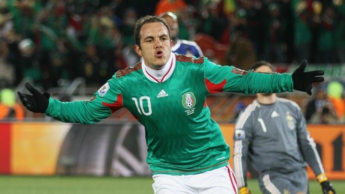 شارك ثلاث مرات في كأس العالم FIFA🏆، فرنسا 1998، كوريا الجنوبية/اليابان 2002 والمانيا 2006.  عيد ميلاد سعيد لنجم المكسيك 🇲🇽 السابق كواوتيموك بلانكو الذي يحتفل اليوم بعيد ميلاده الـ48🥳🎊🎉