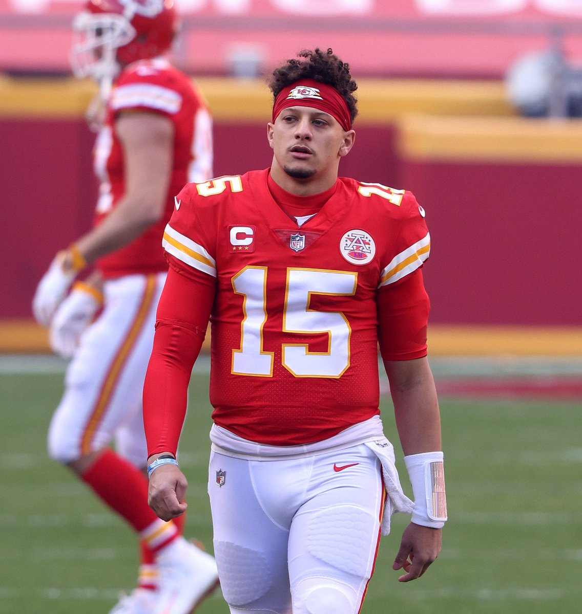 Patrick #Mahomes will not be returning to today's game due to a concussion.  #NFL    #CLEvsKC  🏈