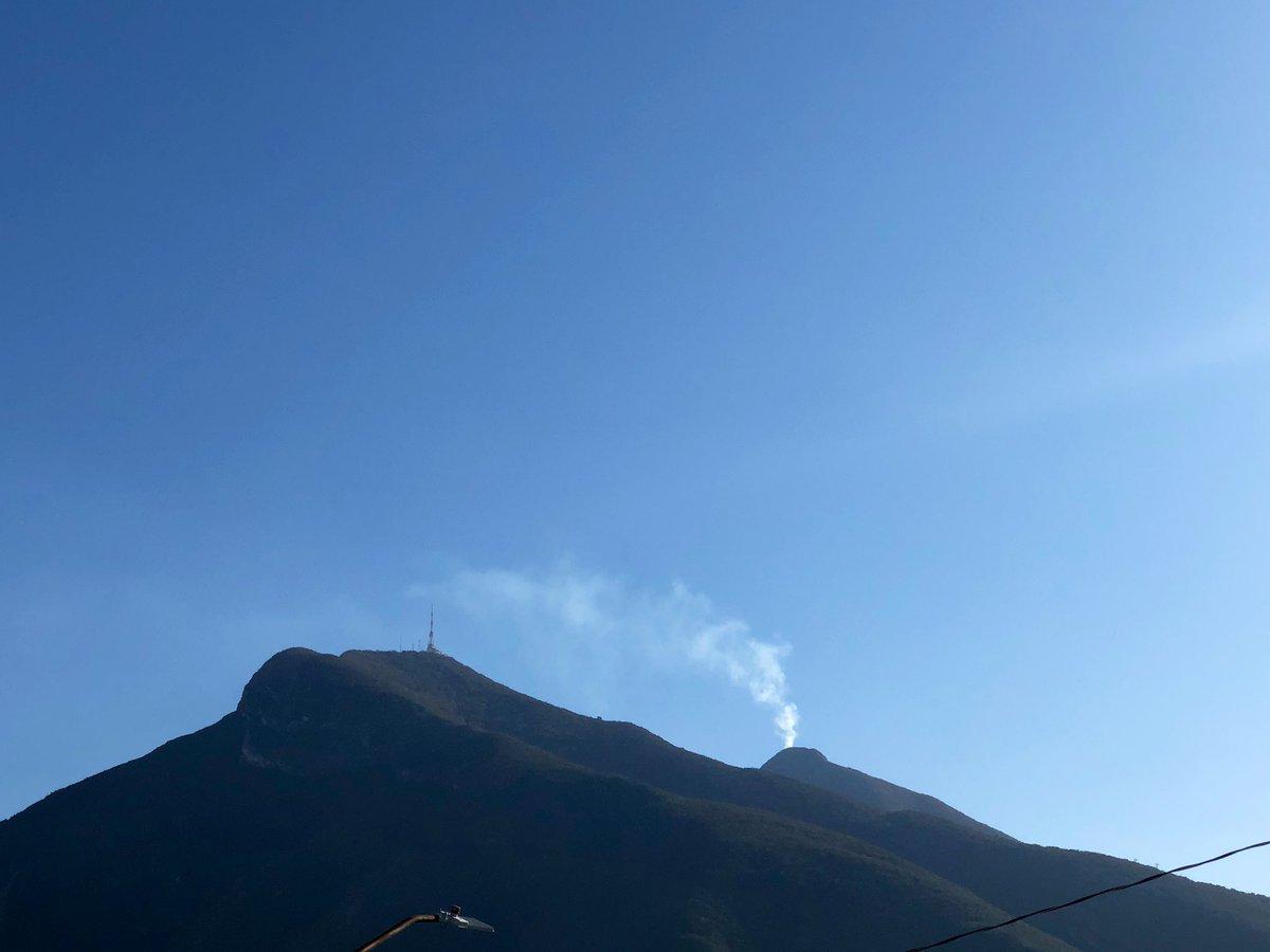 Aquí el 2021 sorprendiéndonos... el Cerro de la Silla está por hacer erupción... 😅 #Monterrey #CerrodelaSilla  @AsiEsMonterrey @Mty_Leones @VecinoRegi0 @MtyNL_ @MtyFollow @SoyJoseArmandoG @davidfaz @MauroMoralesMtz https://t.co/a4MpJkOf5w