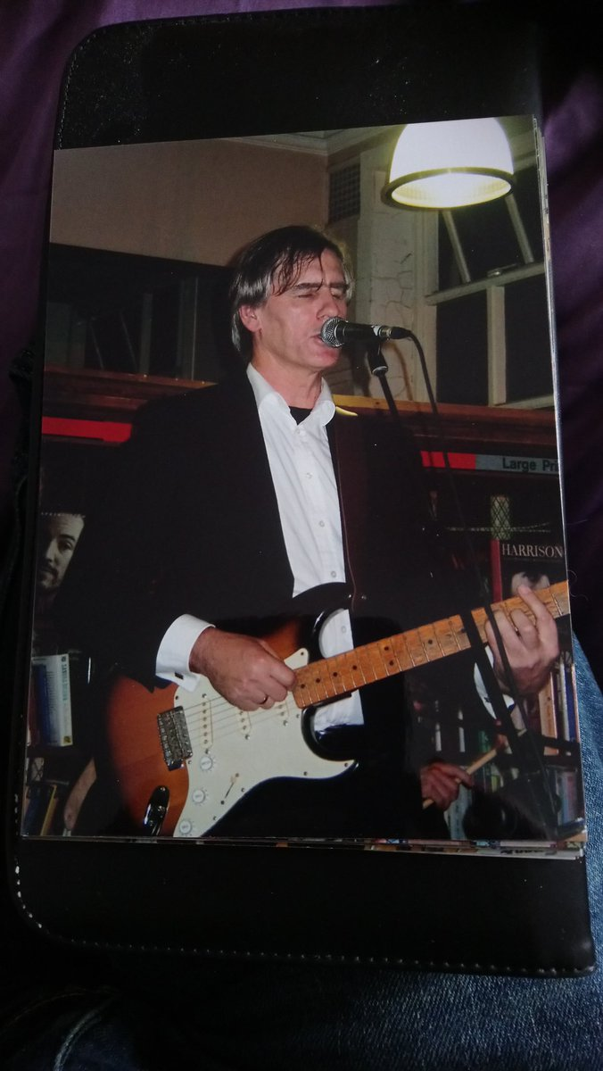 I think I've missed something. Anyhow here's Robert Forster in Lancaster Library and St Lukes, Glasgow.  #TimsTwitterListeningParty