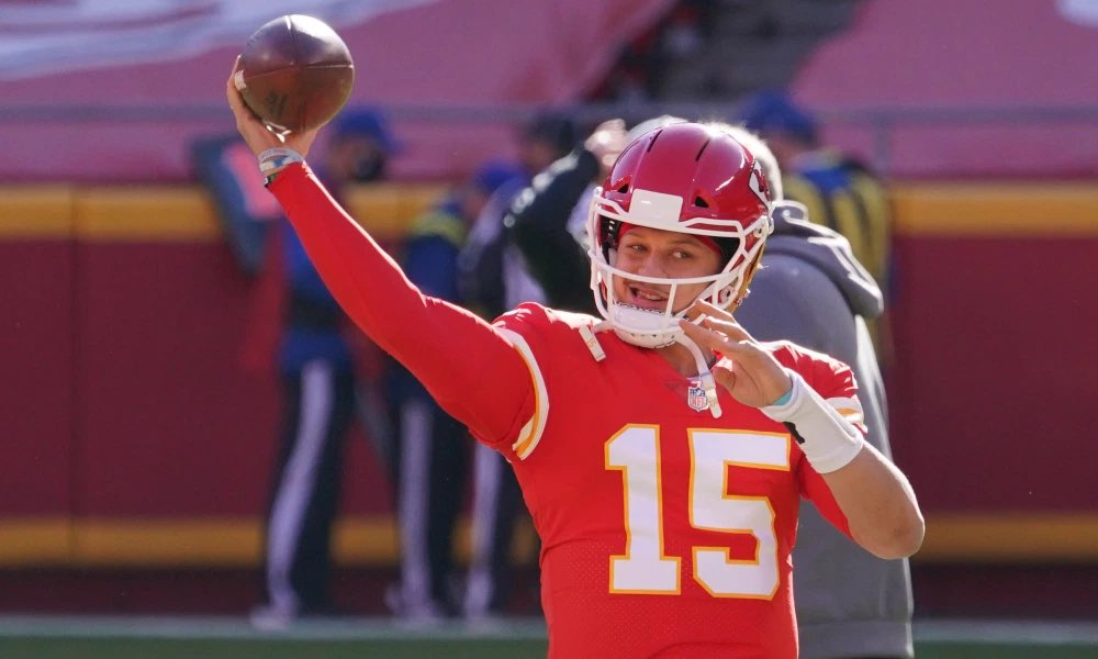 Chiefs QB Patrick Mahomes has been hurt and has left the game. The Chiefs drive and make a 33 yard field by Kicker Butler. Chiefs 22 Browns 10 in the 3Q with 4:24 to go. #NFLPlayoffs