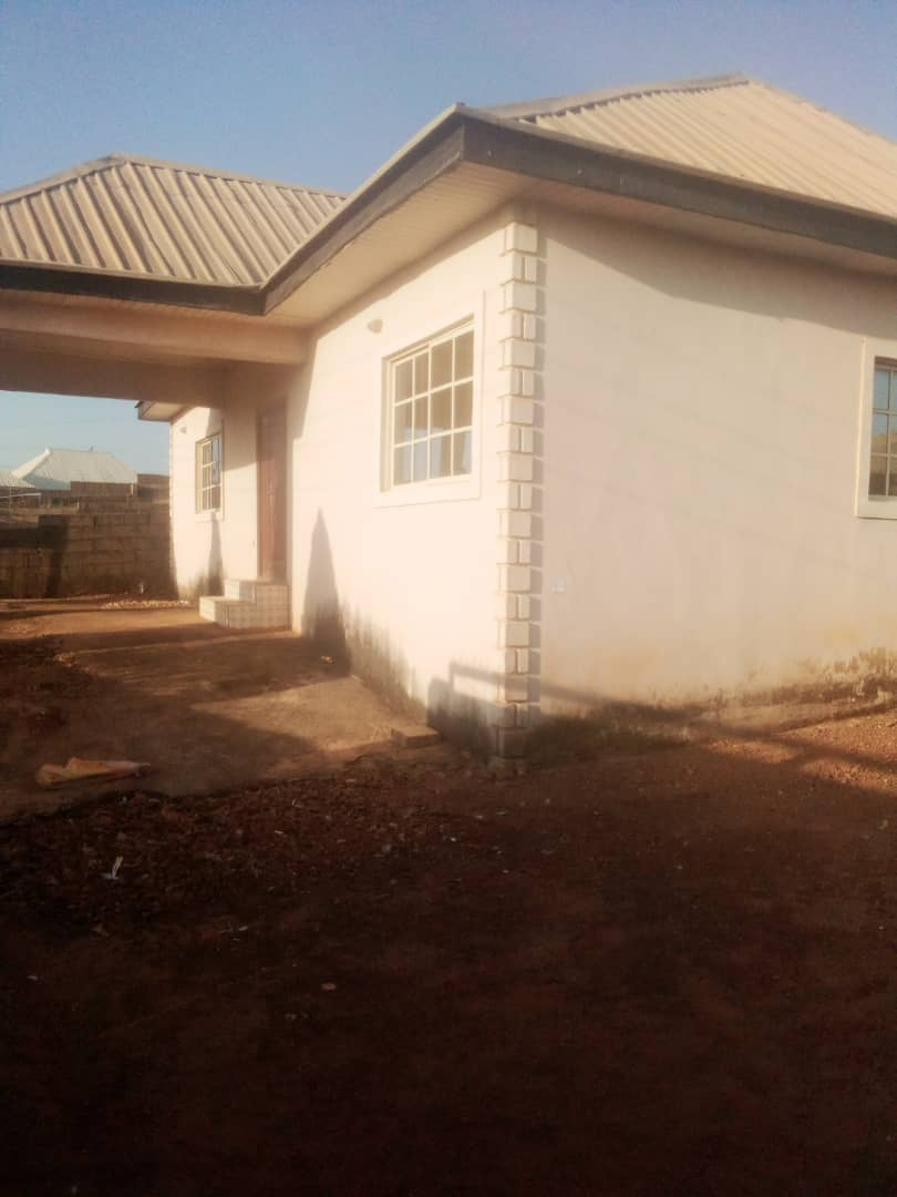 3 bedrooms with two toilets and tiled all through, available at Rantya and very close to the road going for 500k slightly negotiable .  #realtorlife #realestateagent #home #property #forsale #realtorlife #investment #househunting #interiordesign #dreamhome #newhome