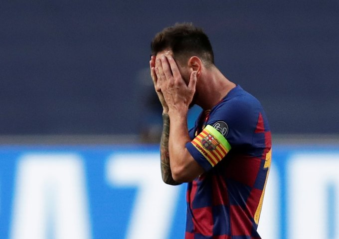 Lionel Messi is sent off for the FIRST time for Barcelona in his 753rd appearance. #Messi