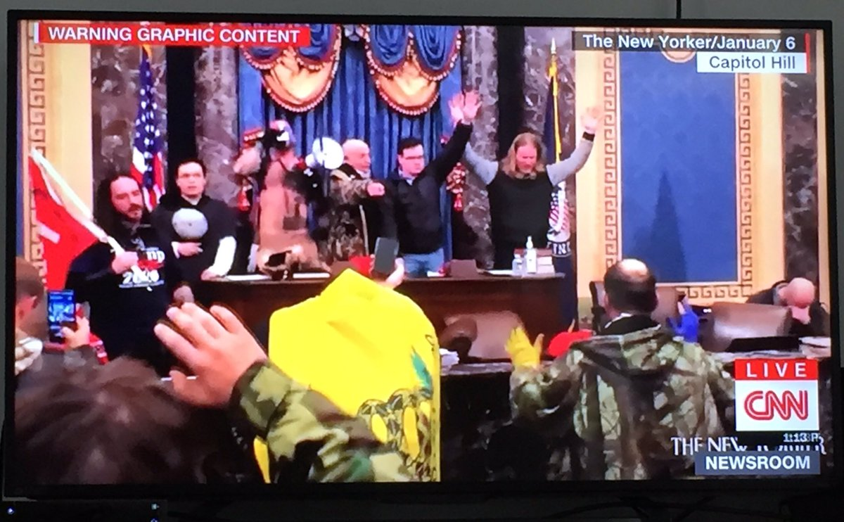 A nazi salute on the floor of the US Senate. #TrumpCoupAttempt #CapitolRiots #CapitolHill