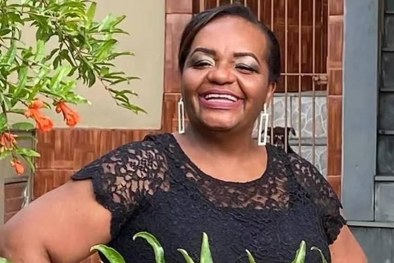 Lutamos para que, como desejou a primeira pessoa que receberá a dose da Coronavac, Mônica Calazans, mulher negra, de 54 anos, enfermeira da UTI do Instituto de Infectologia Emílio Ribas, a vacina faça finalmente o Brasil sair das trevas. #VacinaJá