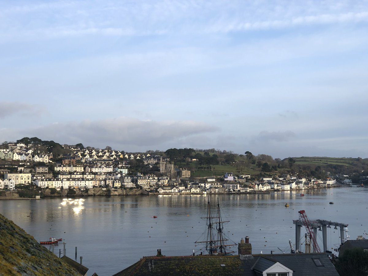 Loved the Sunday-sparkle on the Fowey. The magic is always here. #sunday #foweyriver #cornwall #weekend #OntheLedge https://t.co/T2K1AmShJH
