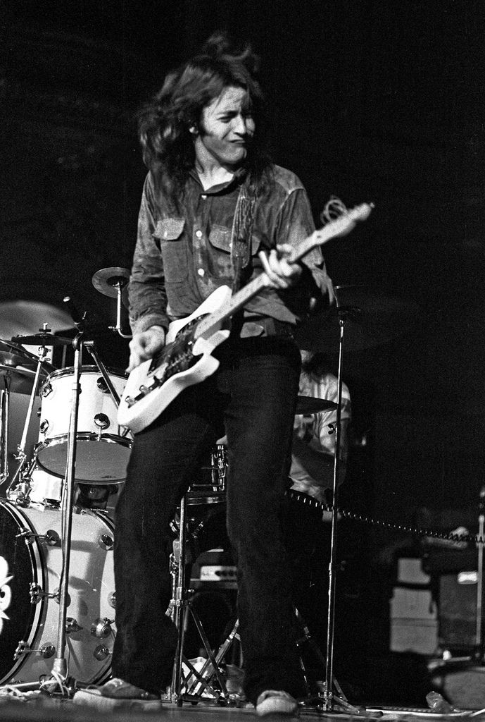 #NowPlaying: @rorygallagher - Secret Agent (Live)  #70s #LiveMusic #ClassicRock #RockNRoll #Blues #Soul #RoryGallagher #Guitar #Irish #DeepTracks   #Listen at   @RoryFest @Rory_Sinnerboy @Gerry_McAvoy  The #SundayDrive on @DeepNuggets #Radio - #TurnItUp!