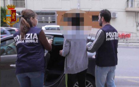 Rapina e stupro ad una prostituta di Ragusa, arrestato un minore - https://t.co/KJTnTOx9vc #blogsicilianotizie