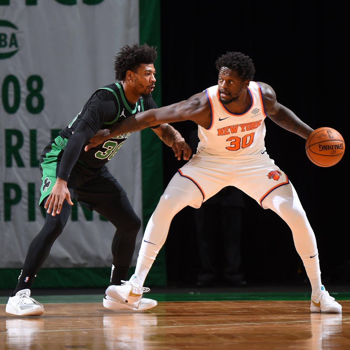 🌆 @nyknicks lead @celtics 33-24 early 2Q on @NBATV. Randle: 10 PTS, 3 REB, 2 STL Barrett: 9 PTS, 6 REB, 2 AST, 2 STL
