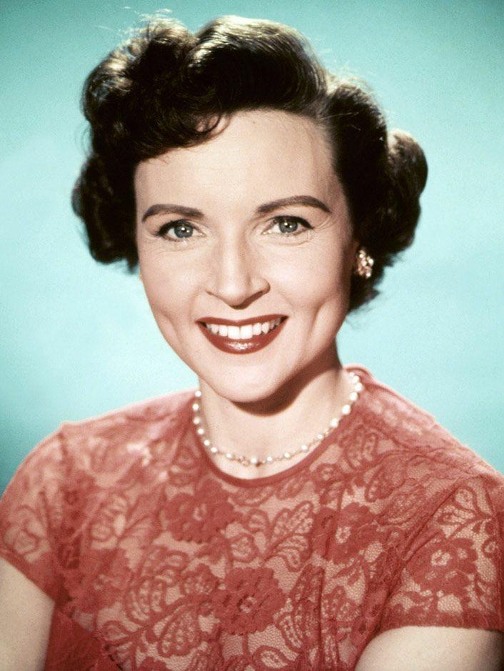 Happy 99th Birthday to Betty White!!🥳🎉 #HappyBirthdayBettyWhite #Legend #WeLoveYou