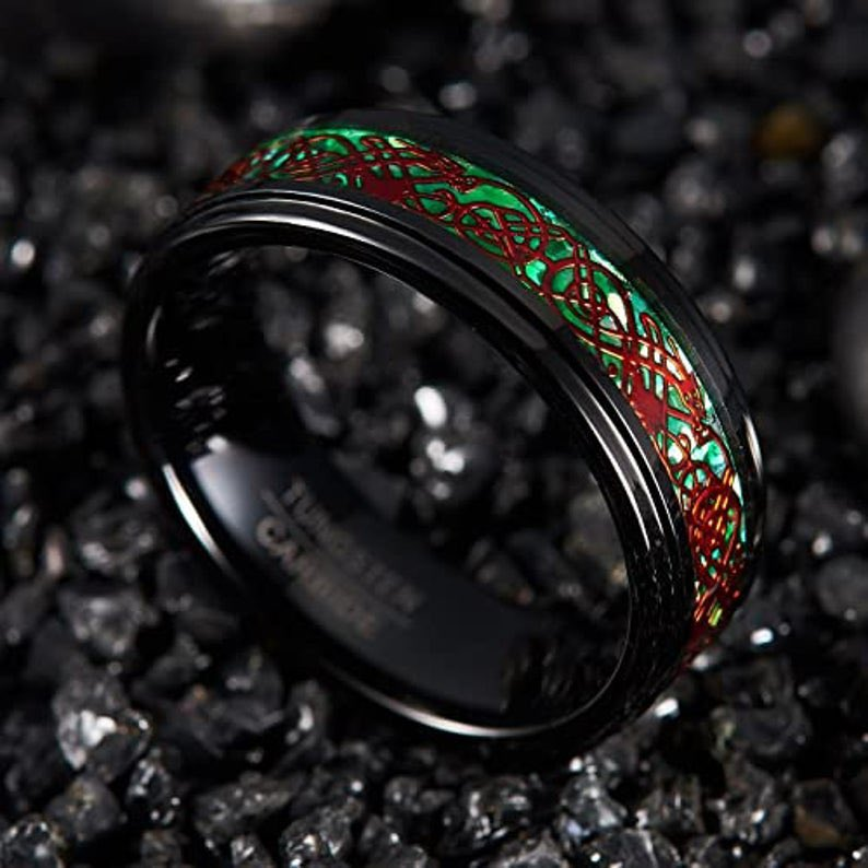 Brand New Ring in My Shop😊😊 #8mm #Red #CelticDragon #TungstenCarbideBand #BlackRing #GreenCarbonFiberInlay #Wedding #Engagement #UnisexRing #ComfortFit