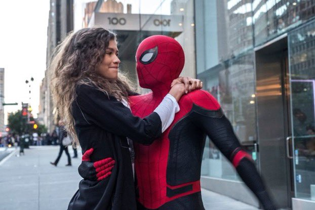 Spiderman 3 will occur over #christmas (Discussingfilm)  #Instagram #instagood #movies #film #photooftheday #actor #entertainment #gaming #gamers #love #influencer #netflix #retweet #f4f #followforfollowback #like #l4l #hollywood #SpiderMan3