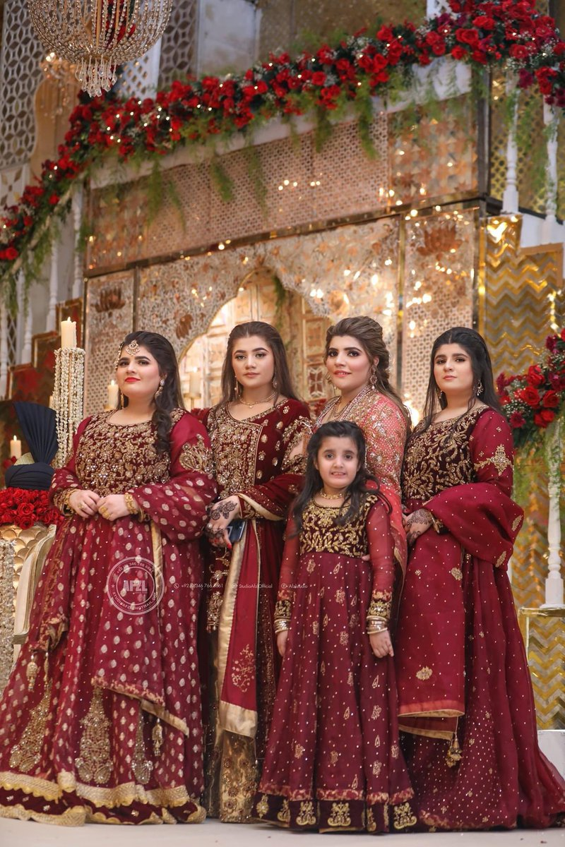 #pakistaniweddings #bridesmaids #bridal #pakistanifashion  #fashion #instafashion #mehndi #henna #wedding #shaadi #marriage #pakistan #lahore #desi #outfit #jewelry #follow #karachi #pakistani #potd #ootd #reception #quarantine #walima #baraat #islamabad #designer #details