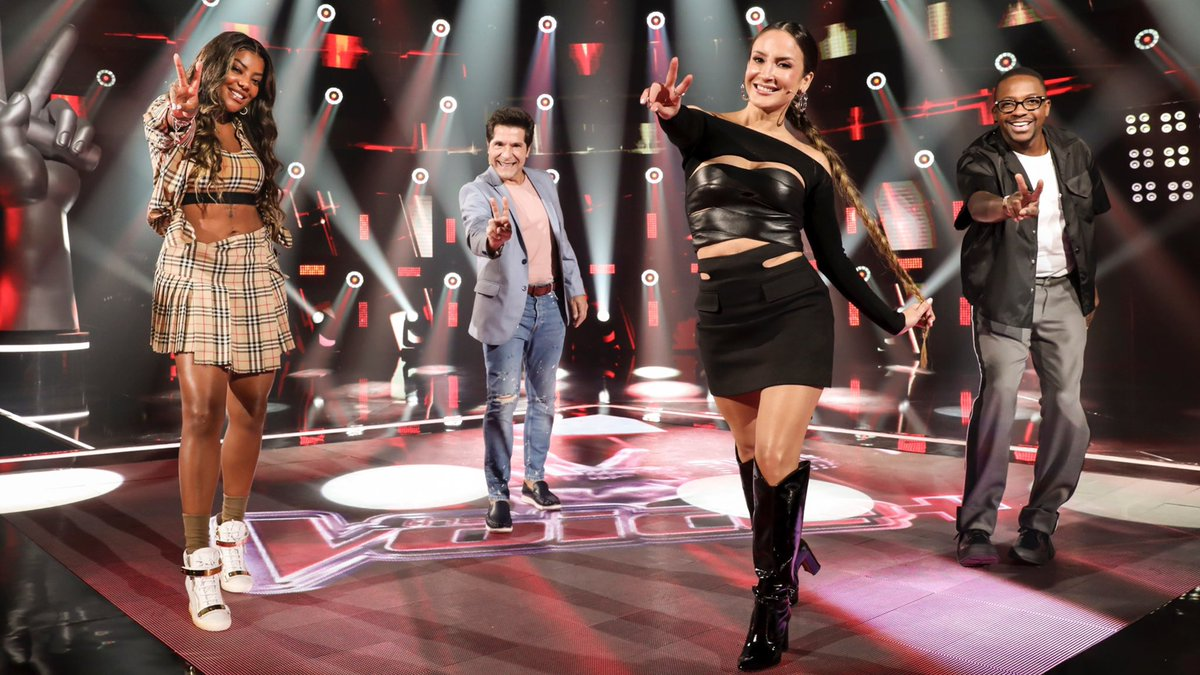 A estreia do #TheVoiceMais na @RedeGlobo foi TUDO, né? ✌️ AMANHÃ, às 20h30, tem a reexibição do episódio, no meu canal! 📺 @Mumuzinho @cantordaniel @Ludmilla @ClaudiaLeitte   📸 Globo / João Miguel Jr.