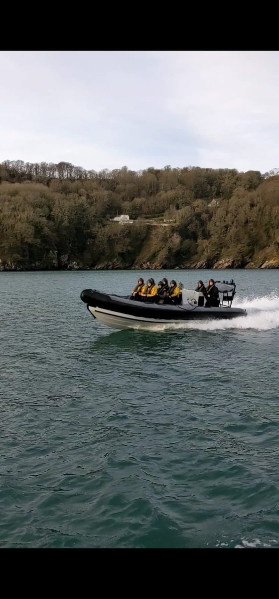 Hawke 21-1 division had their Sandquay acquaint today. After learning some basic sea safety, they had some fun in their introduction to the River Dart - they will come to know it well! #sundayvibes
