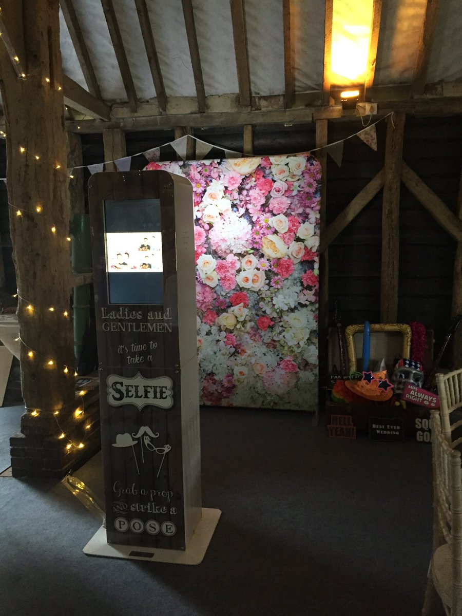 Our Social Selfie Pod party package is a great affordable option for your wedding or event. . Enquire now for 2021/22/23 . . #brightonwedding #wedding #sussexwedding #eastsussexwedding #event #photobooth #photo #party #wedding2021 #wedding2022 #wedding2023