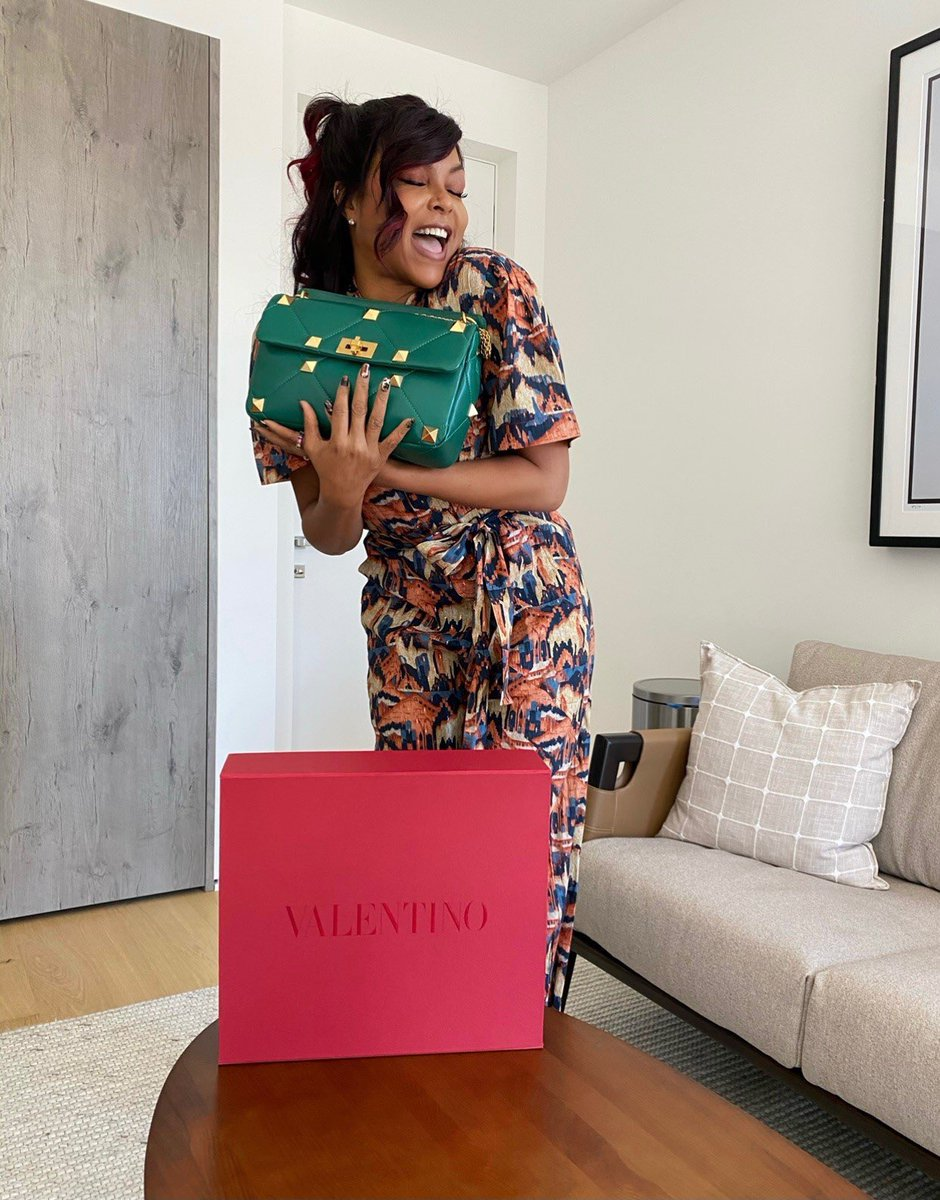 An ever-evolving symbol. @tarajiphenson is photographed with her Valentino Garavani #RomanStud bag in green. Shop the new bag, available in a range of colors.