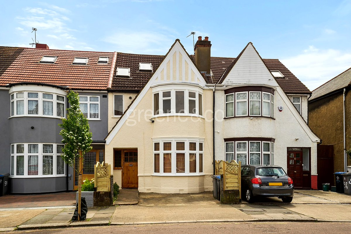 Double room in accessible terraced house  https://https://t.co/8zJCy0J3xv #HouseToRent #terracedHouse #London https://t.co/rjiJrtEldX