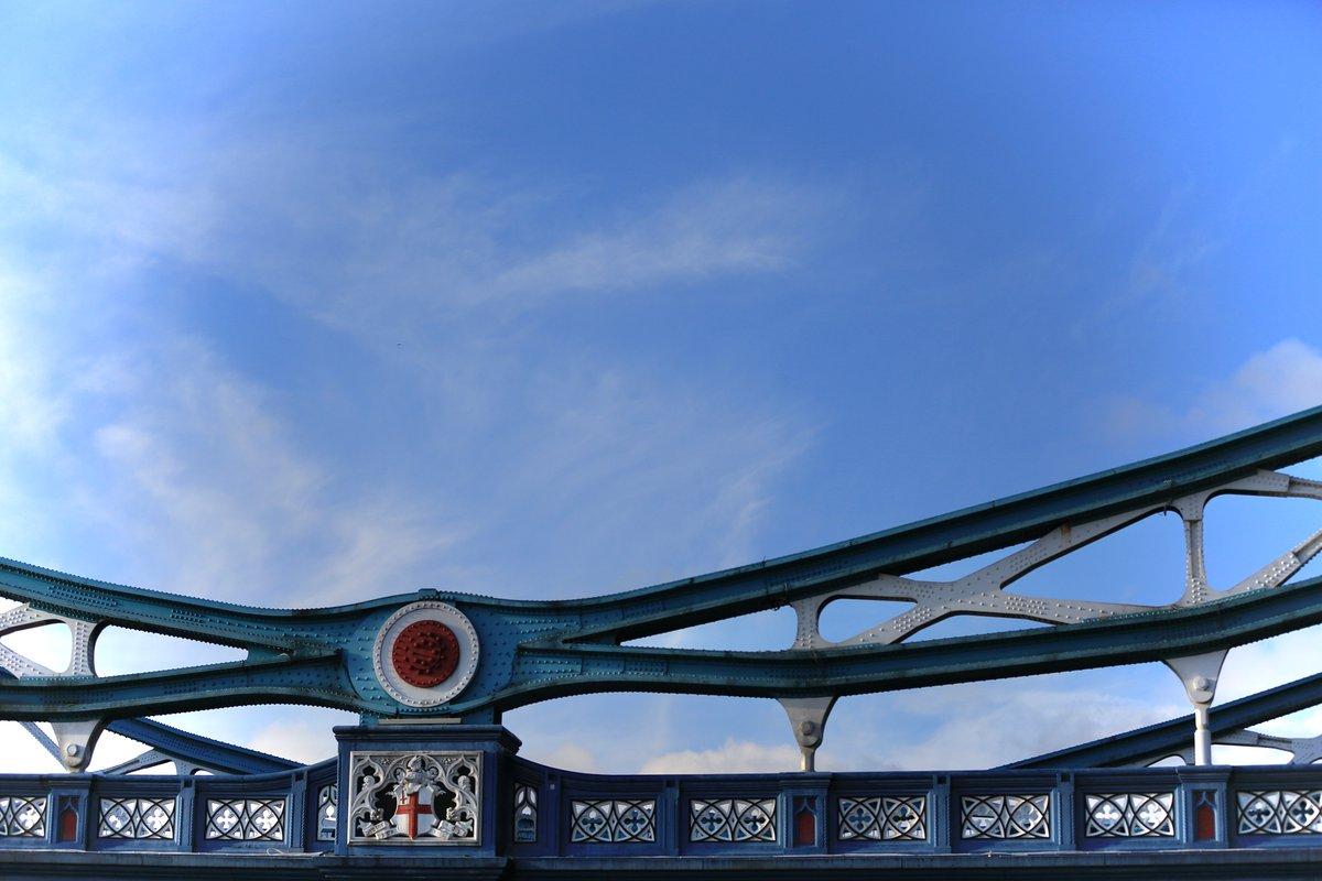 Tower Bridge, London #TowerBridge #London #Thames https://t.co/MKudk5I2km