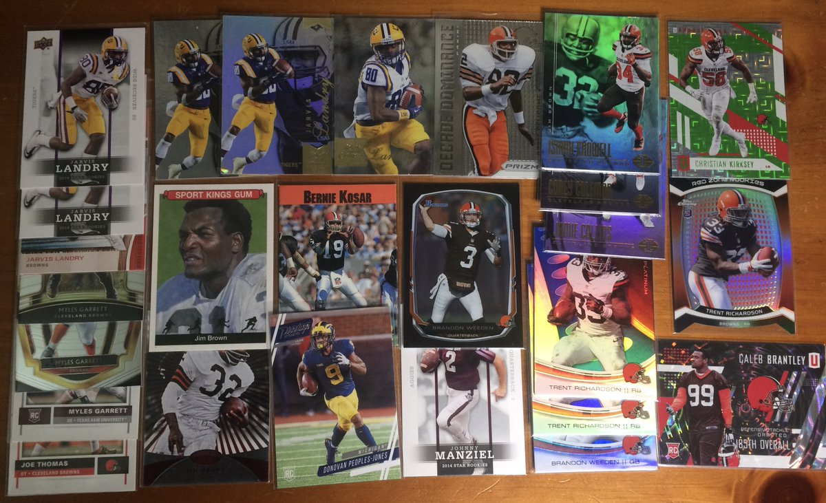 64 card #Browns lot ---> $12  Shipping terms and prices in last image, and can be combined with other items in the thread.   I have similar lots available in other teams, just let me know and I'll check the boxes.    #BrownsTwitter #BrownsvsChiefs #CLEvsKC #DawgPound #WeWantMore