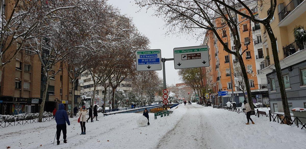 Mi paseo por #MadridNevado el 09.01.2021:  Paseo de la Reina Cristina  Av de Menéndez Pelayo @_ElRetiro  Av del Mediterráneo  Calle Cavanilles  #FilomenaMadrid #Filomena #MadridNieve #MadridSnow #MadridBajoLaNieve #NevadaEnMadrid #TemporalFilomena