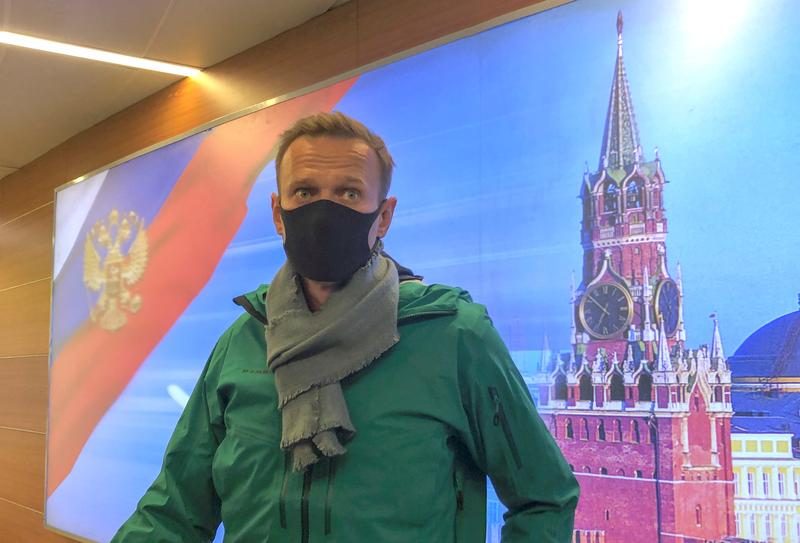 Lithuania calls for sanctions against Russia after Navalny's arrest
