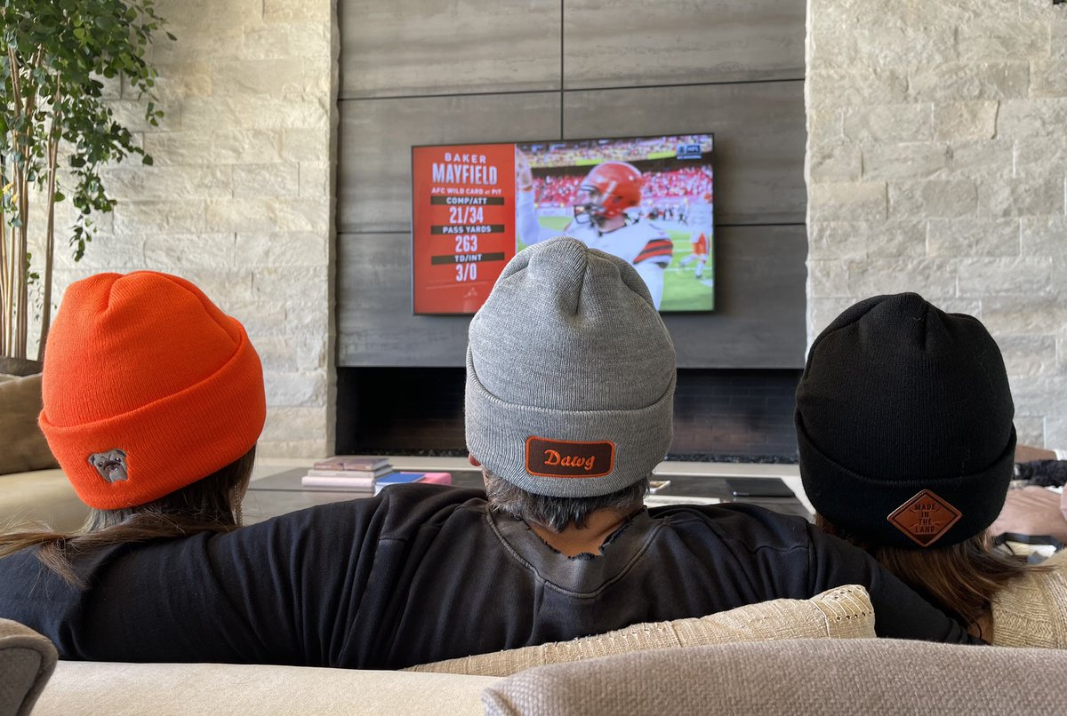 LETS GO BROWNS!!#ClevelandAgainstTheWorld   Check out @legendheadwear to support an amazing #CLE business