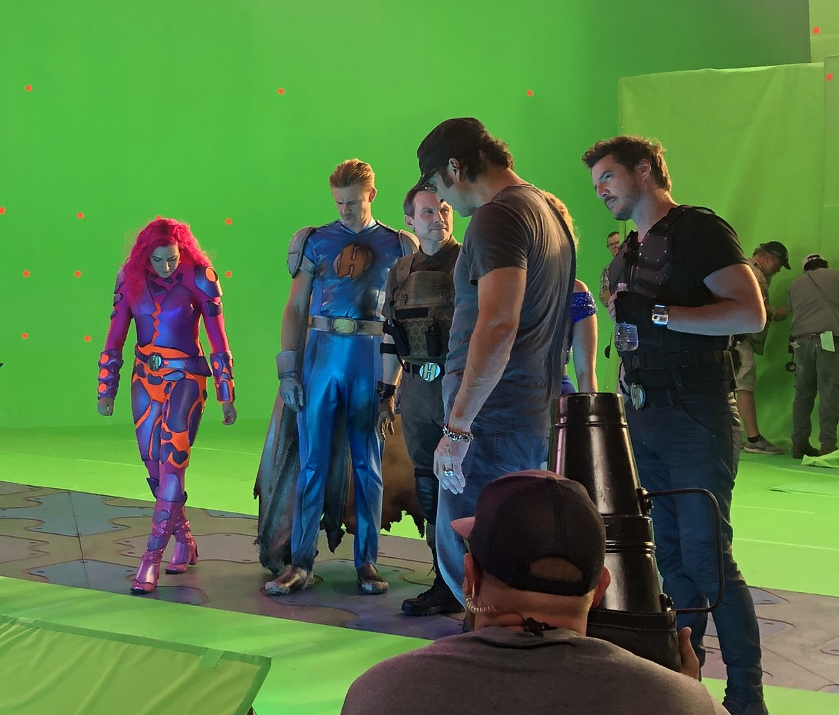 Figuring out where to stand is a complicated thing, good thing we have @Rodriguez 's genius to help us out 😉🤣 #WeCanBeHeroes #BehindTheScenes #Heroics
