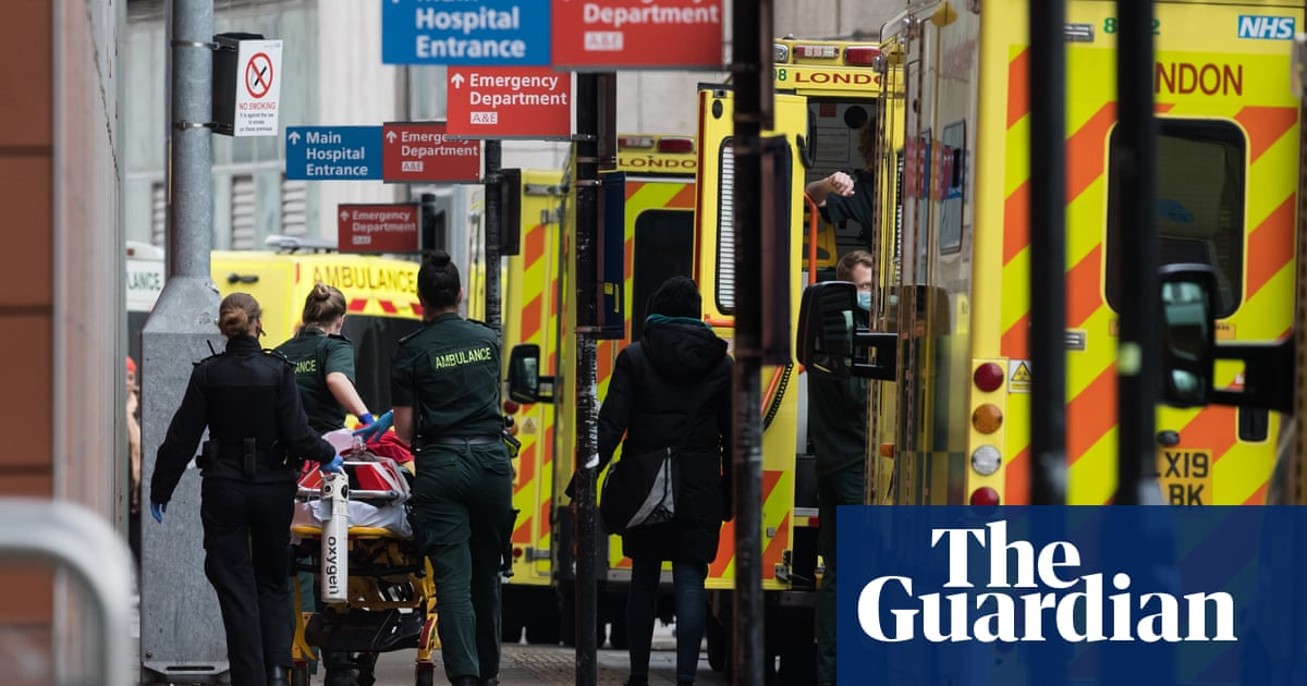 NHS in most precarious position in its history, says chief executive https://t.co/WiKFE5B4yb https://t.co/1jZN0BCyU1