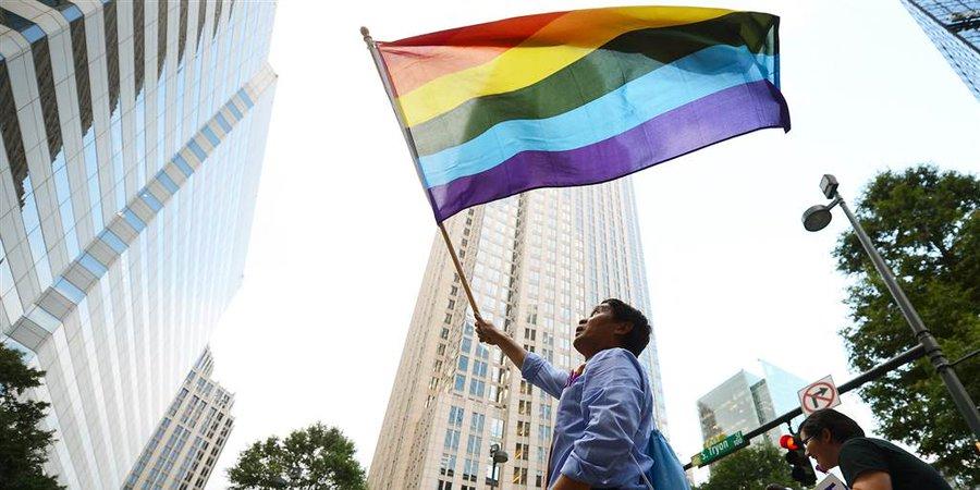 "AMAZING! ""N. Carolina cities begin passing historic LGBTQ nondiscrimination laws"" @NBCNews @TLSLiveShow  #NorthCarolina #LGBTQ #History #Hillsborough #Carrboro #ChapelHill #discrimination #newlaws #LGBT #NewBeginning #share #Amazing #proud"
