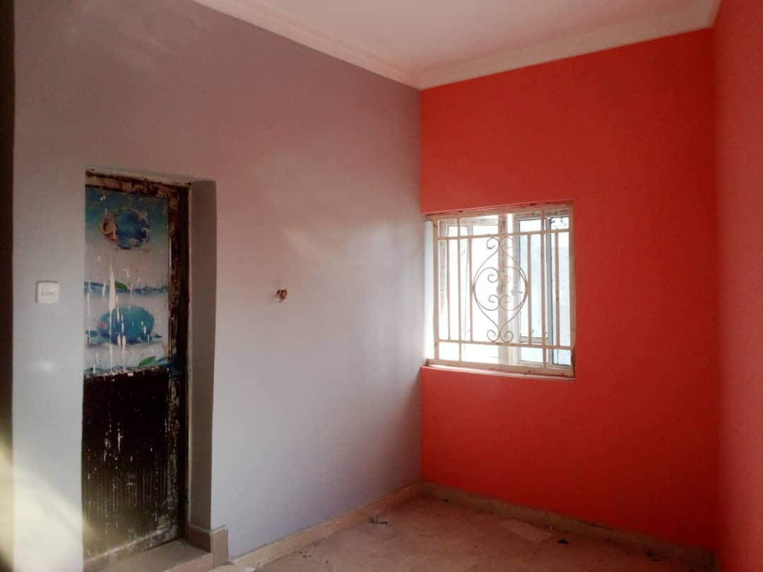 1. Brand new and spacious 3bedroom with POP, tiles, wardrobes, water heater, kitchen cabinet,fence with gate at Dong. 450k/yr , Agent fee 45k.    2. Room and parlour selfcon with PVC, tiles wardrobe and kitchen cabinet 200k/yr agent fee 20k  #realtorlife #realestateagent #home