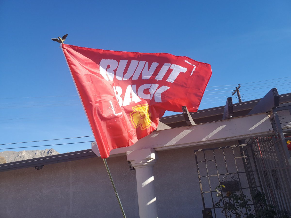 Let's go Chiefs! The wind finally let me take a good pic. #RunItBack