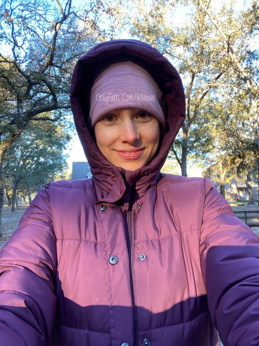 I was cold today!! Still did my 2 mile walk though. 2 miles a day keeps me having a junk food day once